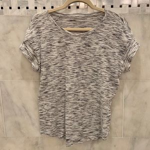 Lululemon | Grey and White T Shirt